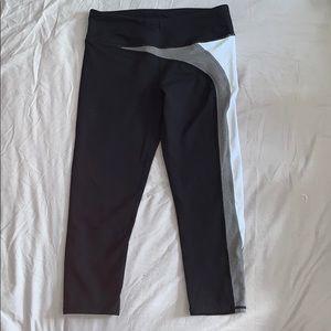 Fabletics Pants - Cropped fabletic leggings!